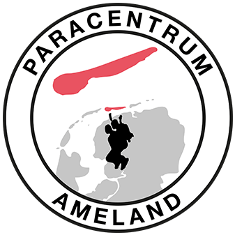 Tandem parachute springen boven Ameland en waddenzee